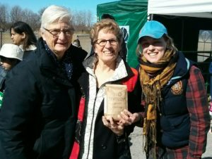 Ontario Premier Kathleen Wynne and wife Jane Rounthwaite are big fans of our worm castings biofertilizer
