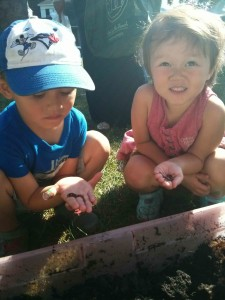 Many kids visiting the Market stopped by to say hello to the worms!
